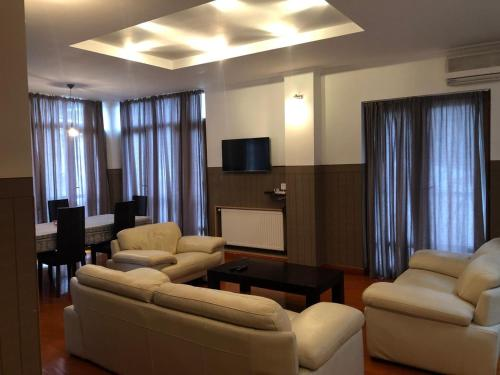 Duplex apartment with city and funicular views, Tbilisi