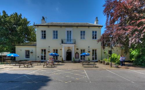 The Elms Inn By Good Night Inns