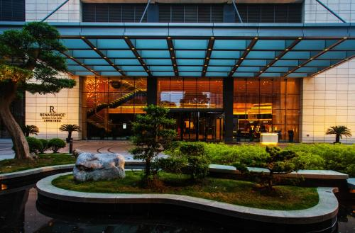 Renaissance Shanghai Putuo Hotel, A Marriott Luxury & Lifestyle Hotel photo 17
