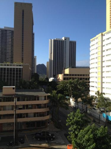 Papaya Inn Apartment 702 in Honolulu from $176