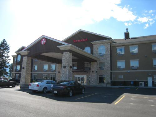 Ramada Creston Photo