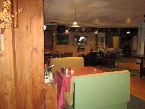 Kitimat Hotel Photo