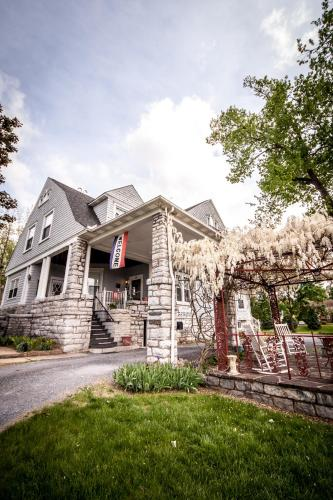 Stonewall Jackson Inn B&B Photo