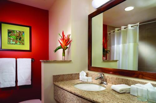 Courtyard by Marriott San Jose Airport Alajuela Photo