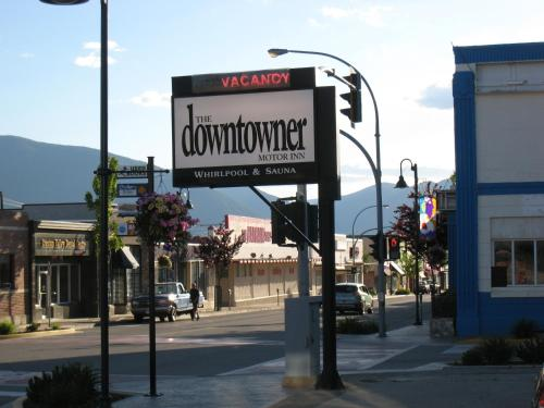 Downtowner Motor Inn Photo