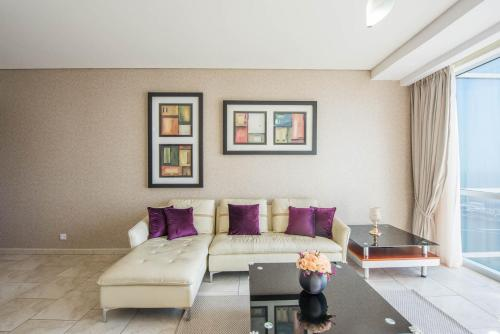 3 Bedroom Apartment in JBR by Deluxe Holiday Homes, Dubaj