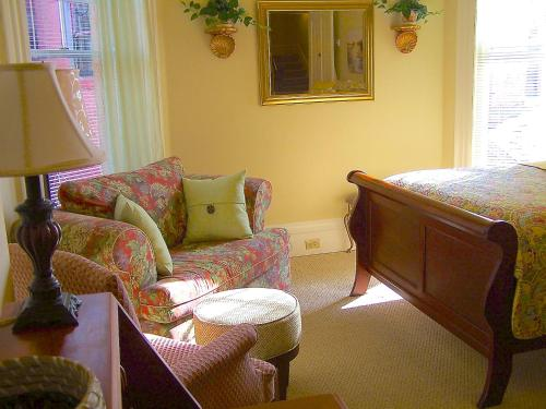 Lyndon House Bed & Breakfast Photo