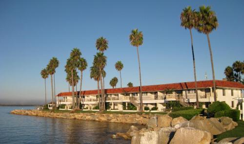 Oceanside Marina Suites - A Waterfront Hotel Photo