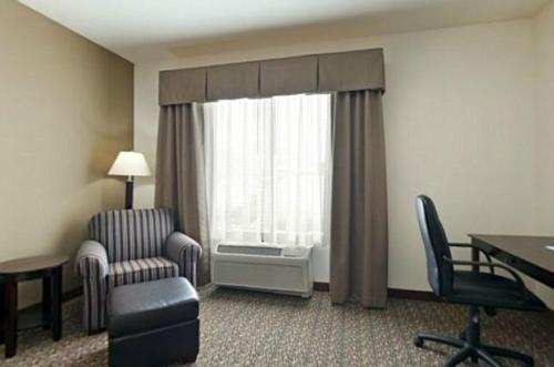 Holiday Inn Express Hotel & Suites Lander Photo