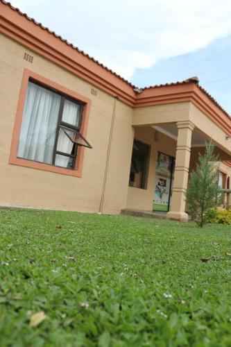 Flower Inn Exclusive Guesthouse, Mahalapye