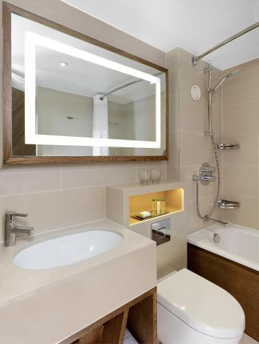DoubleTree by Hilton London - Hyde Park photo 3
