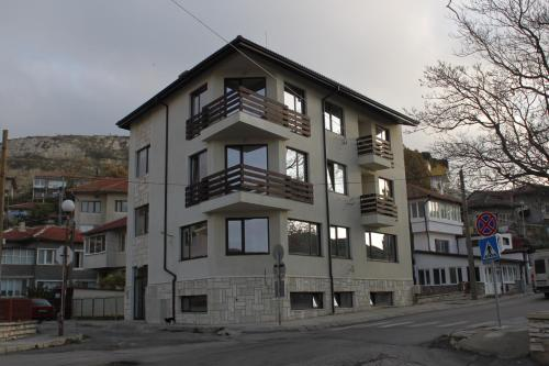 Balchik Apartments, Балчик