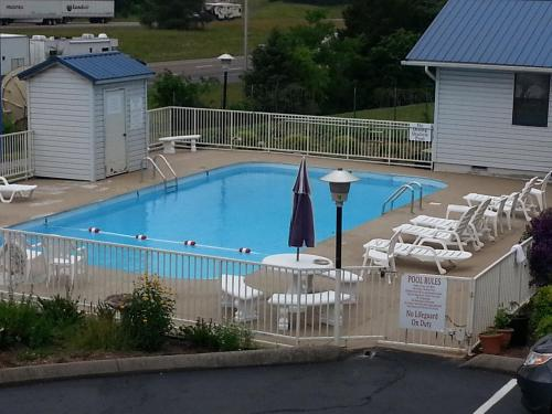 Americas Best Value Inn Kodak - Sevierville Photo