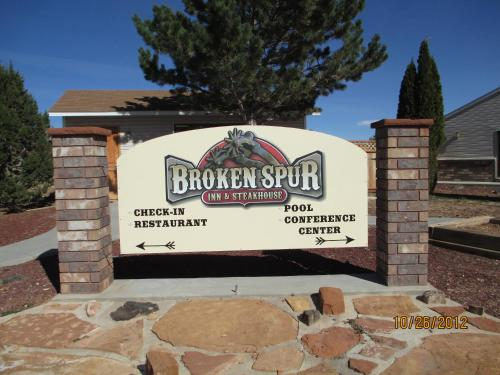Broken Spur Inn & Steakhouse Photo