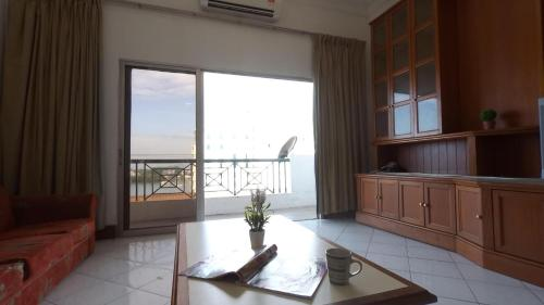 AJ City 亚庇市家庭民宿 Seaview Penthouse Family Stay, Kota Kinabalu