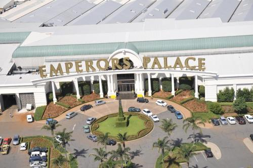 Metcourt at Emperors Palace Photo