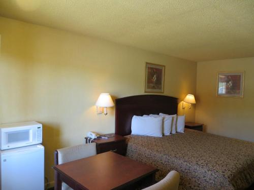 Americas Best Value Inn Dallas Photo