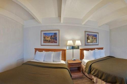 Best Western El Rancho Palacio Photo