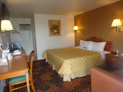 Americas Best Value Inn Santa Rosa Photo