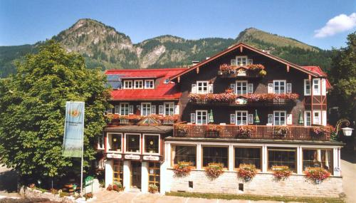 Alpenlandhotel Hirsch, green hotel in Bad Hindelang, Germany