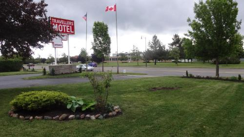 Travellers Motel Photo