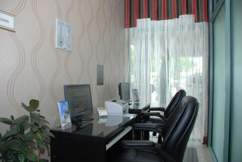 Best Western Plus Travel Hotel Toronto Airport photo 24