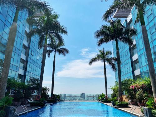 Vincom- Heart of the center- 200m2 luxurious loft (Sky Villa) with amazing pool, Ho Chi Minh