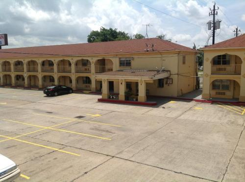 Guest Inn and Suites
