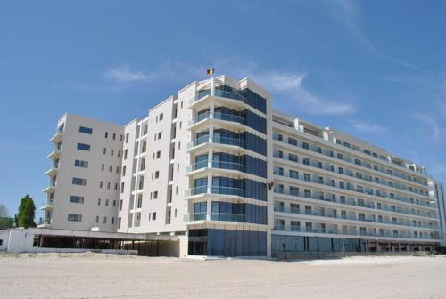 https://www.booking.com/hotel/ro/riviera-residence-apartments.en.html?aid=1728672