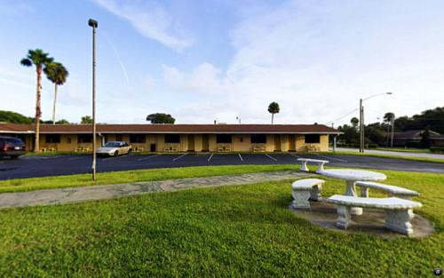 Americas Best Value Inn Daytona Beach Photo