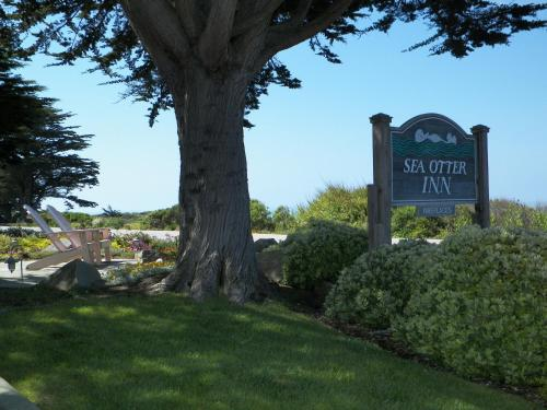 Sea Otter Inn Photo
