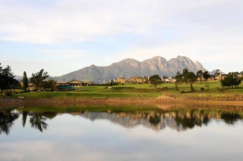 Devonvale Golf & Wine Lodge Photo