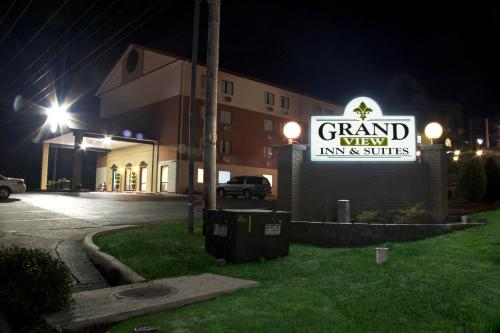 Grand View Inn & Suites Photo