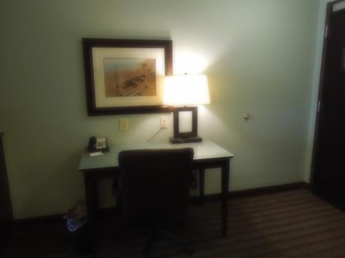 Holiday Inn Hotel & Suites Gateway Photo