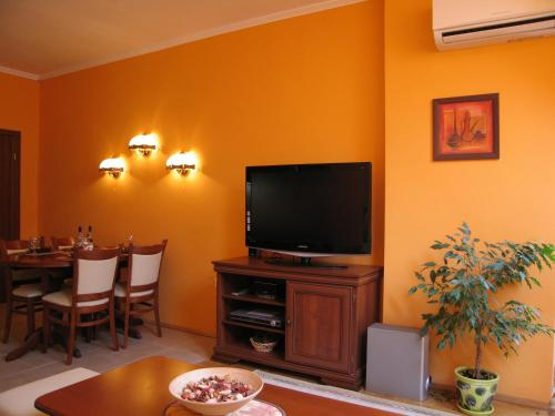 Mladost Apartment 4, София
