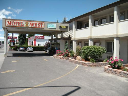 Motel West Photo