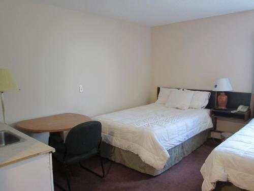 Airport Inn - Dawson Creek Photo