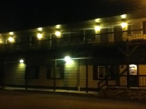 Yough Valley Motel Photo