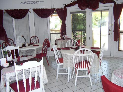 Jasones B&B and Restaurant Photo