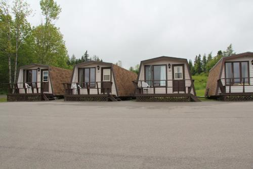 Cabot Trail Motel Photo