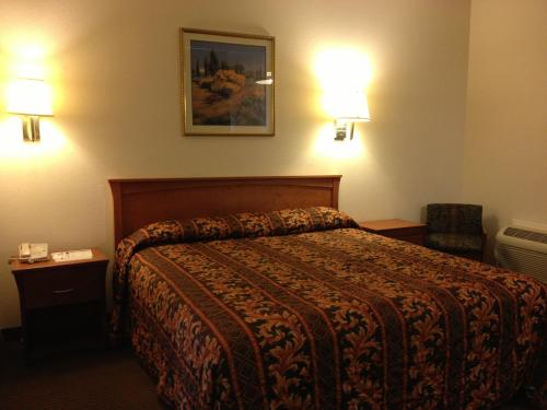 Riverside Inn & Suites - Riverside, CA 92505
