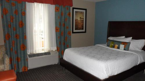 Hilton Garden Inn Midtown Tulsa Photo