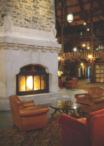 Fairmont Le Chateau Montebello Photo