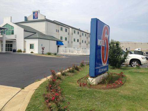 Motel 6 - Montgomery / Hope Hull