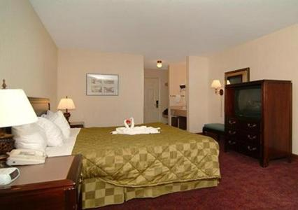 Comfort Inn Lakeside - Mackinaw City Photo