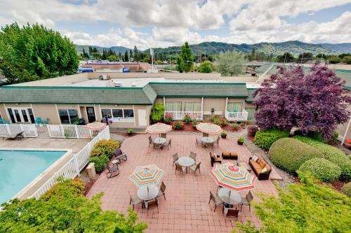 Windmill Inn of Roseburg Photo