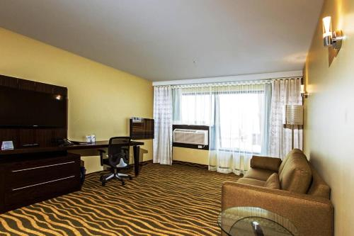 Best Western Plus Hotel Levesque Photo