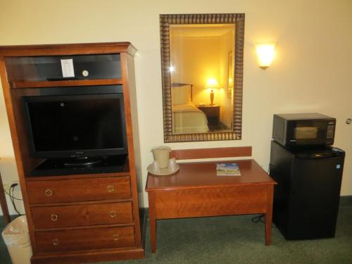 Ramada Indianapolis Airport photo 14