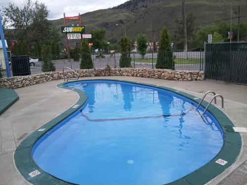 Cache Creek Inn Photo