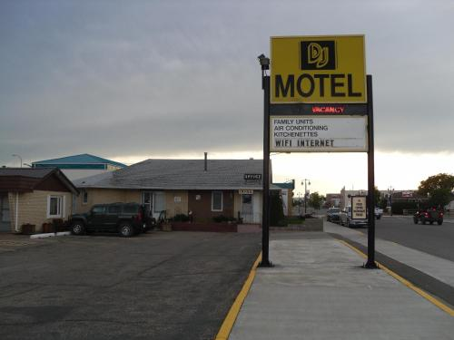 DJ Motel Photo